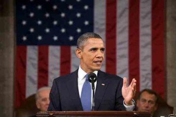 Usa, Obama sul palco a sostegno dei democratici: la folla lo acclama