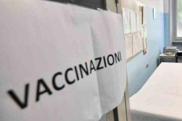 Milano, vaccini studenti: oltre 80mila le documentazioni assenti